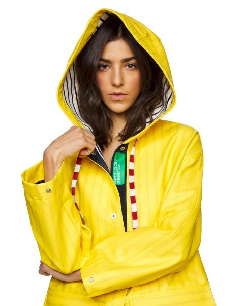 Impermeable con capucha